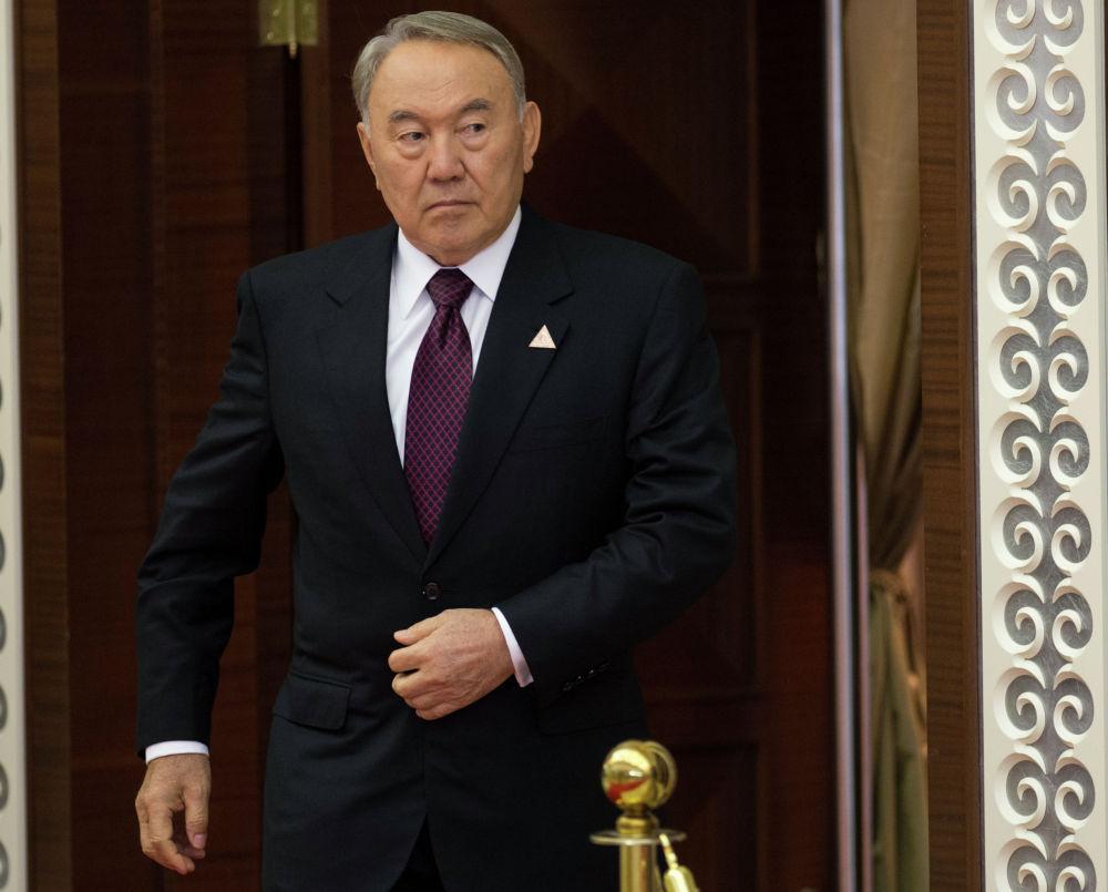 29 мая 2014. Президент Казахстана Нурсултан Назарбаев перед началом очередного заседания Высшего Евразийского экономического совета (ВЕЭС) в Астане.
