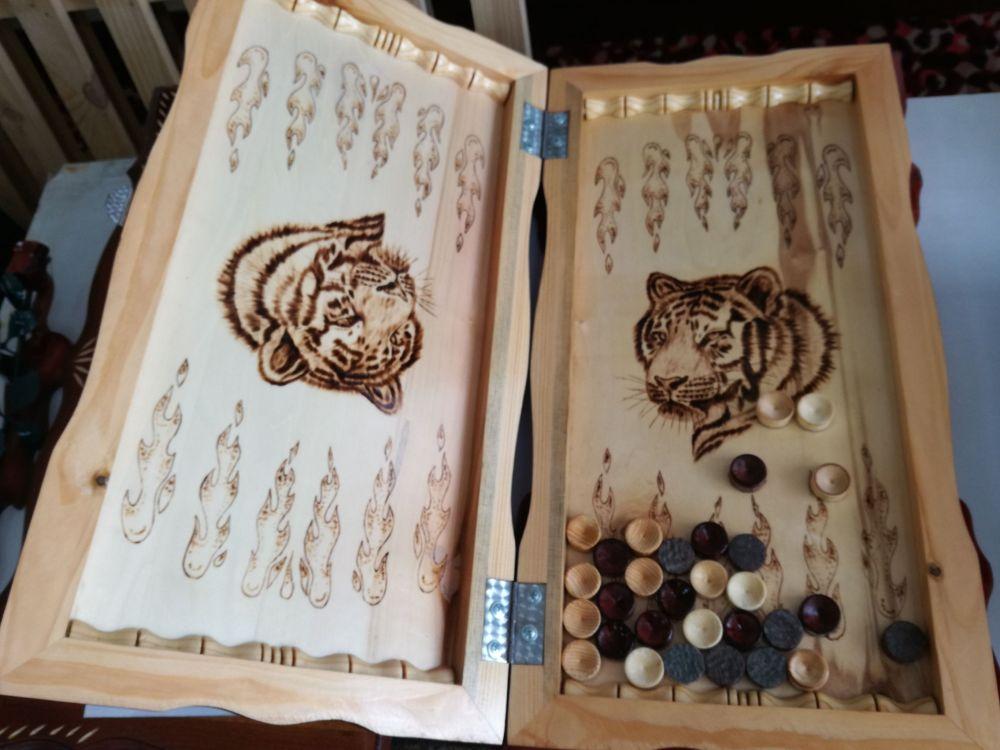 Халық арасында түрмеде жасалған ағаш бұйымдар кеңінен танымал. Олардың ішінде нарды, шахмат, дойбы сияқты ойындар бар