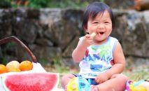 Ребенок на пикнике
