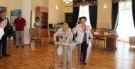 Бішкекте 102 жастағы Қазақстанның халық әртісі дауыс берді