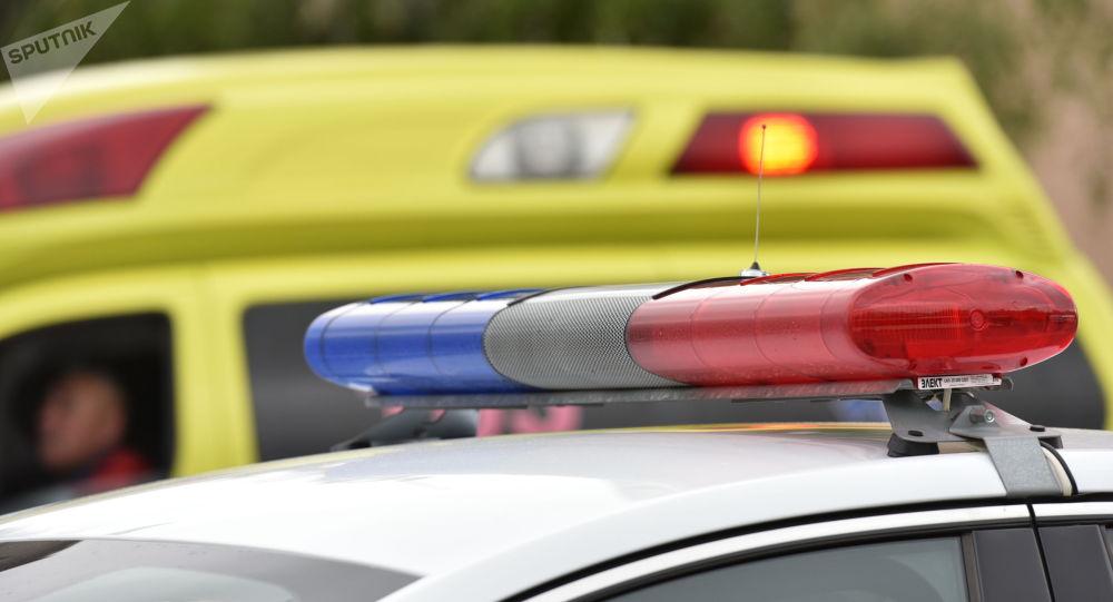 Проблесковый маячок на полицейской машине