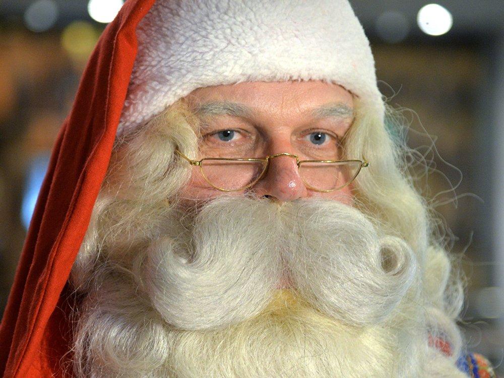 Мәселен, оның салмақты әрі байсалды фин туысы Санта-Клаус Йоулупукки.