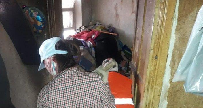 Мусор в квартире в Атырау