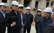 Аким Нур-Султана Алтай Кульгинов побывал на месте строительства замороженных новостроек