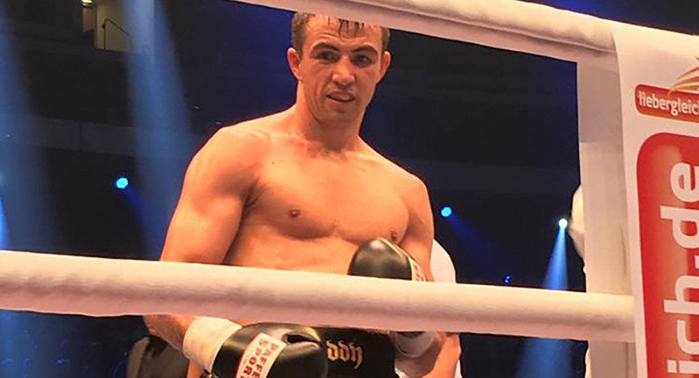 Немецкий боксер казахстанского происхождения Эдуард Гуткнехт