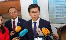 Министр Минобра Асхат Аймагамбетов перед началом  ЕНТ 2019