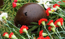 На Воинском братском кладбище