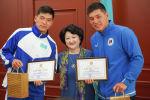 Министр культуры и спорта Казахстана Актоты Раимкулова и братья Оралбай