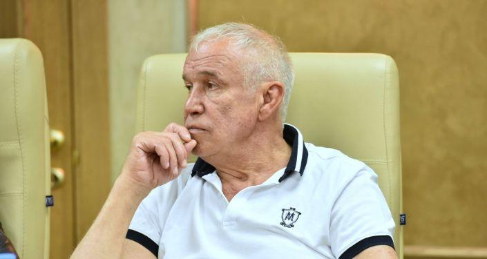Актер театра СовременникСергей Гармаш на пресс-конференции в столице Казахстана