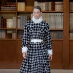 Библиотекарь-стайл: новый показ Chanel в Париже