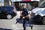 Архивное фото полицейского во Франции