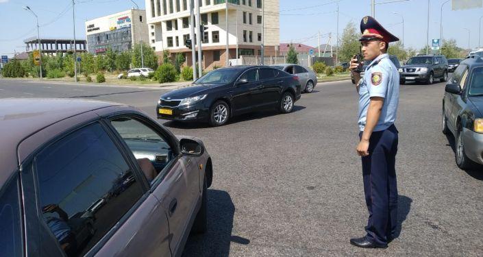 Полиция вышла регулировать улицы после отключения света