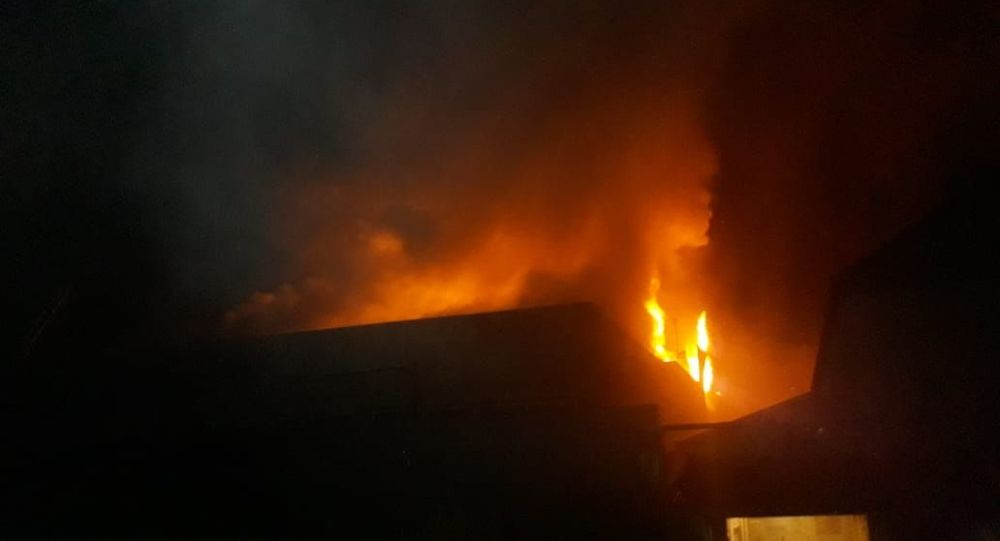 Три частных дома сгорели на ул. Потанина