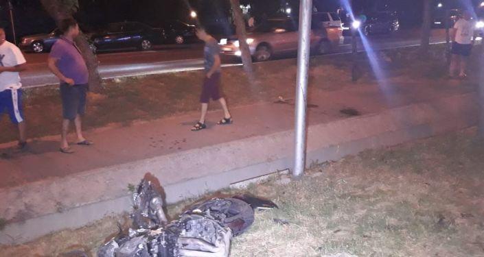 Мотоцикл разбился на ул. Абая