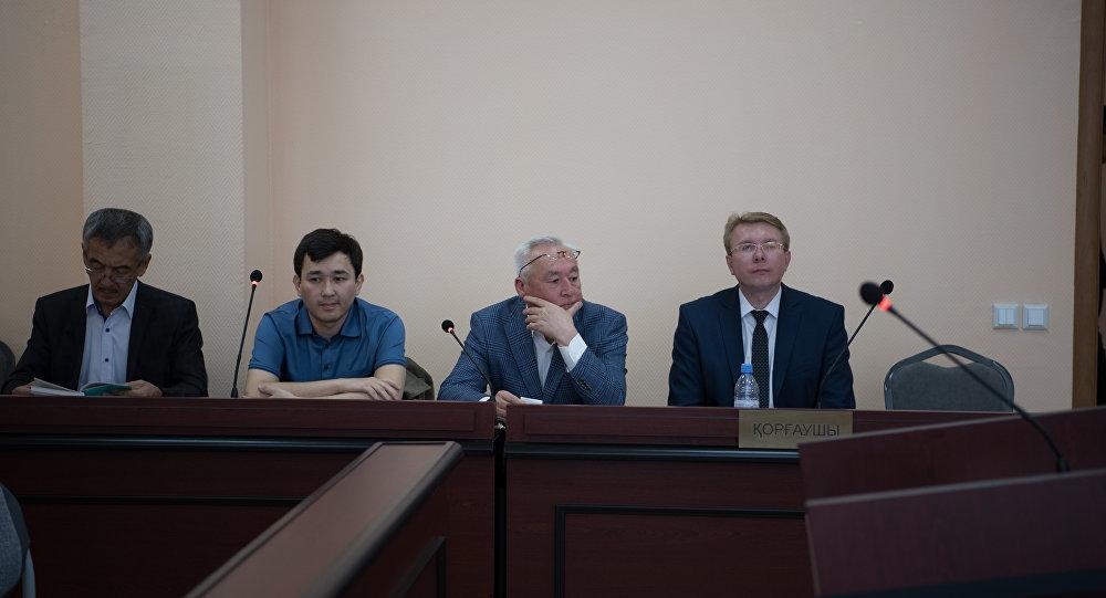 ВКазахстане нашесть лет посадили председателя Союза корреспондентов