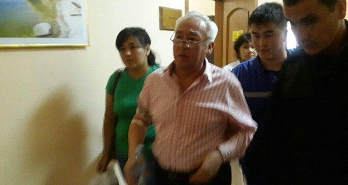 Сейтказы Матаева госпитализировали из зала суда