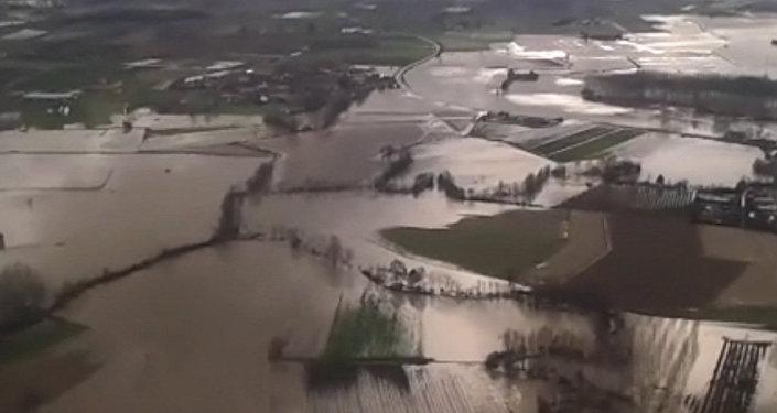 Последствия наводнения на северо-западе Италии. Съемка с вертолета