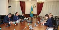 Премьер-министр Аскар Мамин провел встречу с послом США в Казахстане