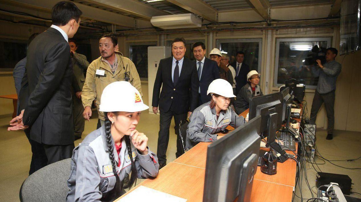 На этапе строительства завода создано более полутора тысяч новых рабочих мест, в период эксплуатации будет открыто 350 постоянных рабочих мест с увеличением их количества до 550 при реализации второго этапа