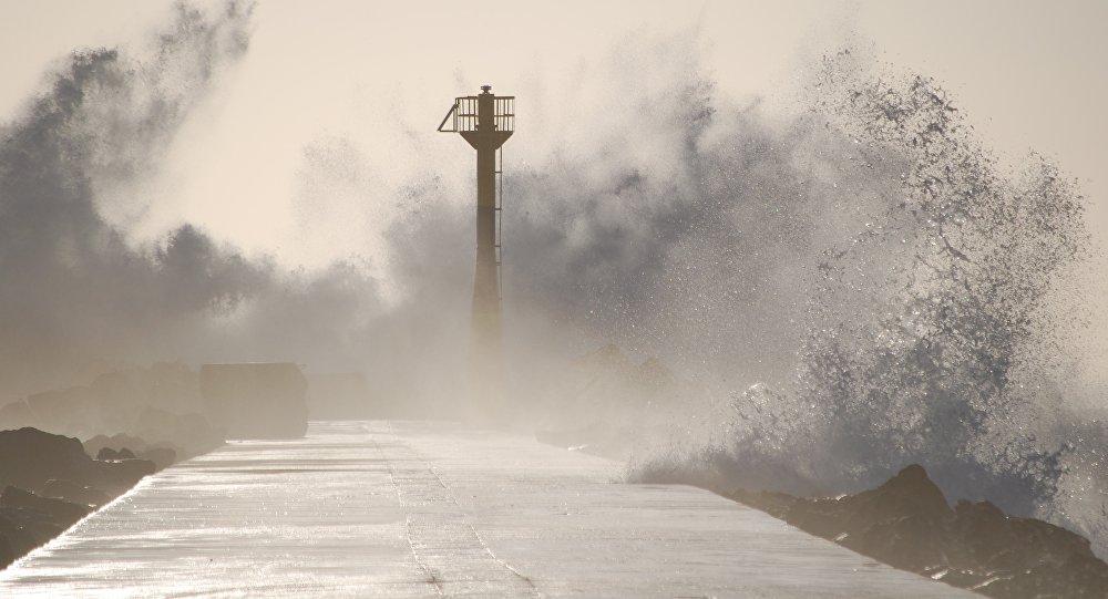 Тайфун, маяк