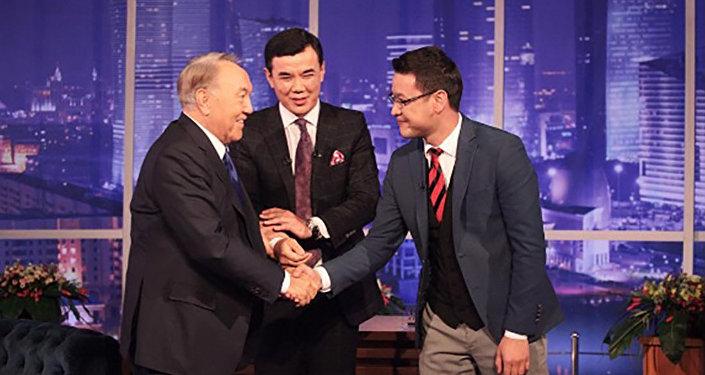 Нурсултан Назарбаев на шоу Нурлана Коянбаева