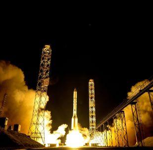 Пуск РН Протон-М с космодрома Байконур, архивное фото