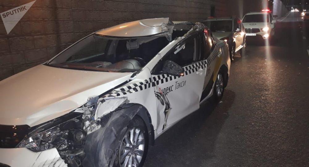 Toyota Camry на месте аварии
