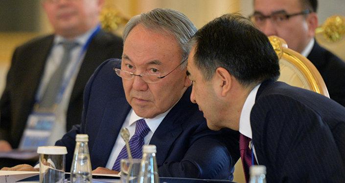 Нұрсұлтан Назарбаев пен Бақытжан Сағынтаев