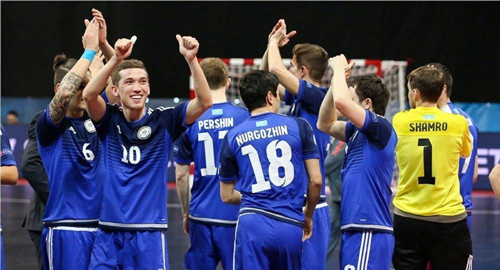 Архивное фото сборной Казахстана по мини-футболу