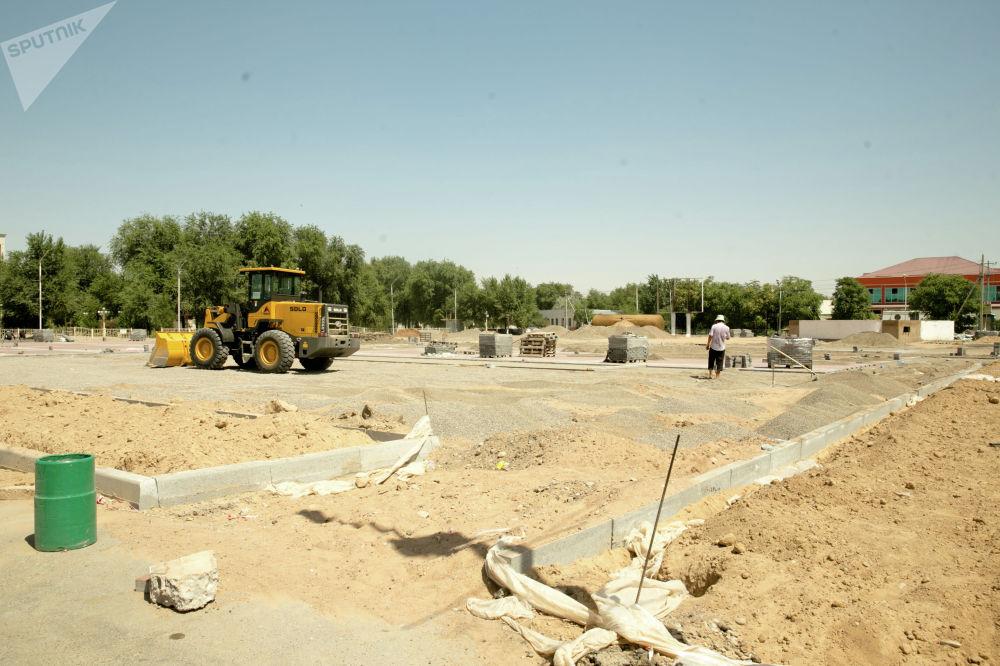 Как известно, город разбит на несколько участков, где работают строители из всего Казахстана