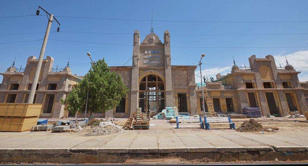 В Арыси восстанавливают здание вокзала, построенного в 1904 году