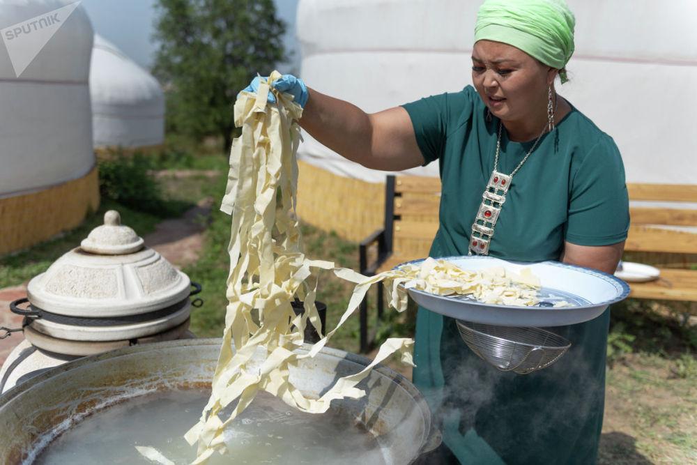 Гостей этноцентра ждали мастер-классы, этно-показы и дегустации национальных блюд