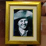 Нұрсұлтан Назарбаевтың жас кезіндегі фотопортреті  - Теміртаудағы ҚР тұңғыш президенті музейінің экспонаты