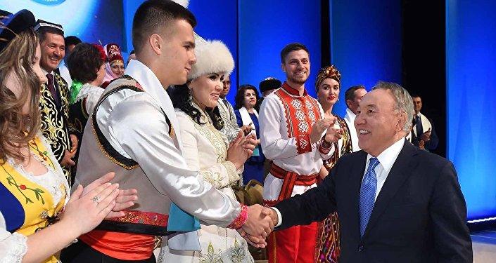 Архивное фото Нурсултана Назарбаева во время сессии АНК