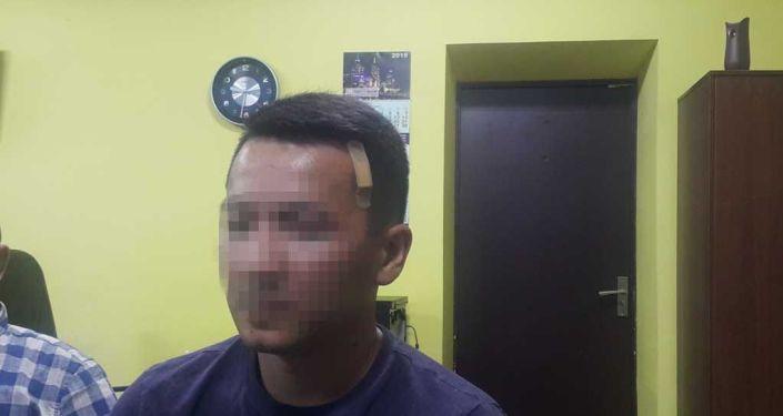 Охранник Бахтияр Камзин, охранявший ночью дом депутата