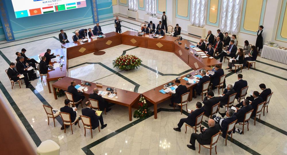 Встреча высокого уровня формата С5+1 началась в Нур-Султане