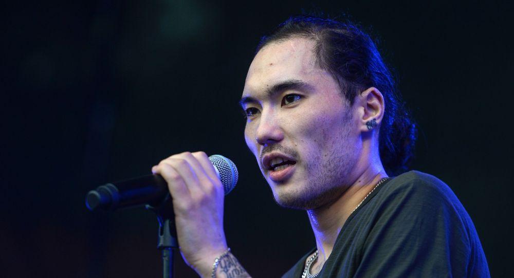Казахстанский рэп-исполнитель Адиль Скриптонит Жалелов выступает на фестивале Bosco Fresh Fest в Москве
