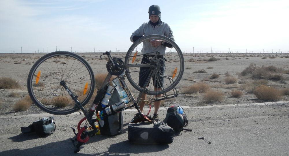 Магжан Сагимбаев - первый казахстанец, совершивший одиночное кругосветное путешествие, один из победителей проекта 100 новых лиц Казахстана, менеджер проектов Казахского географического общества