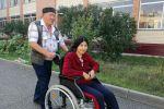 Болат Азнабаев и Дина Лямкадырова в доме престарелых