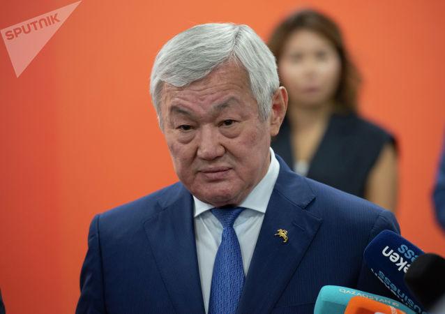 Заместитель премьер-министра Бердыбек Сапарбаев