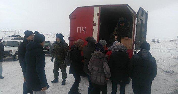 Несколько пассажирских автобусов иавтомобиль съехали вкювет вВКО
