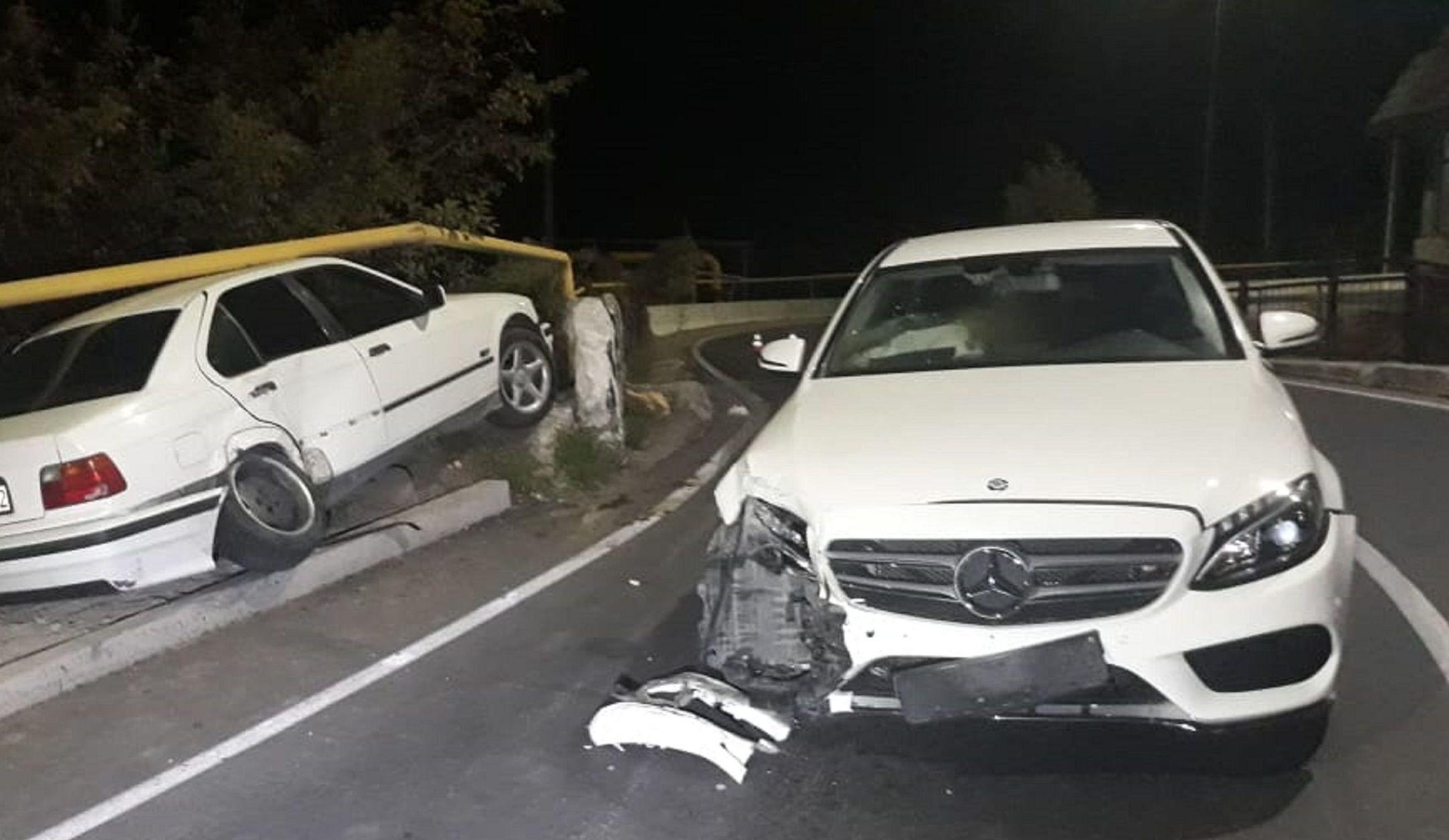 BMW ударил Mercedes на улице Алма-Арасан и чуть не упал в реку