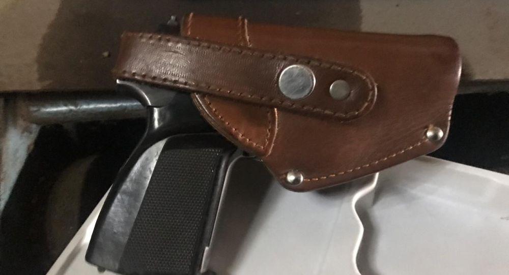 Пневматический пистолет, изъятый у хулигана