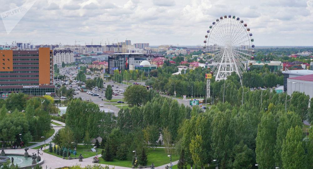 Колесо обозрения в столице Казахстана