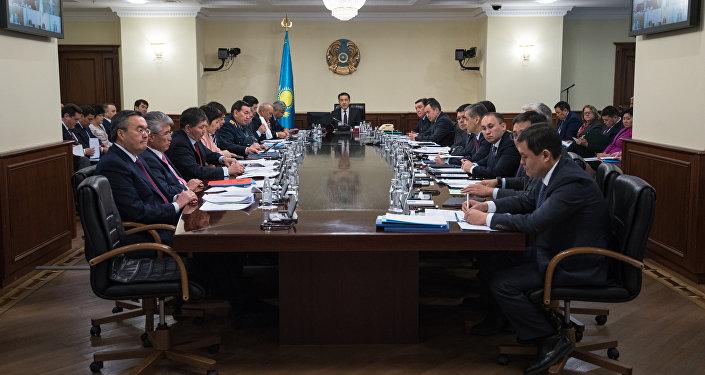 Архивное фото заседания правительства РК