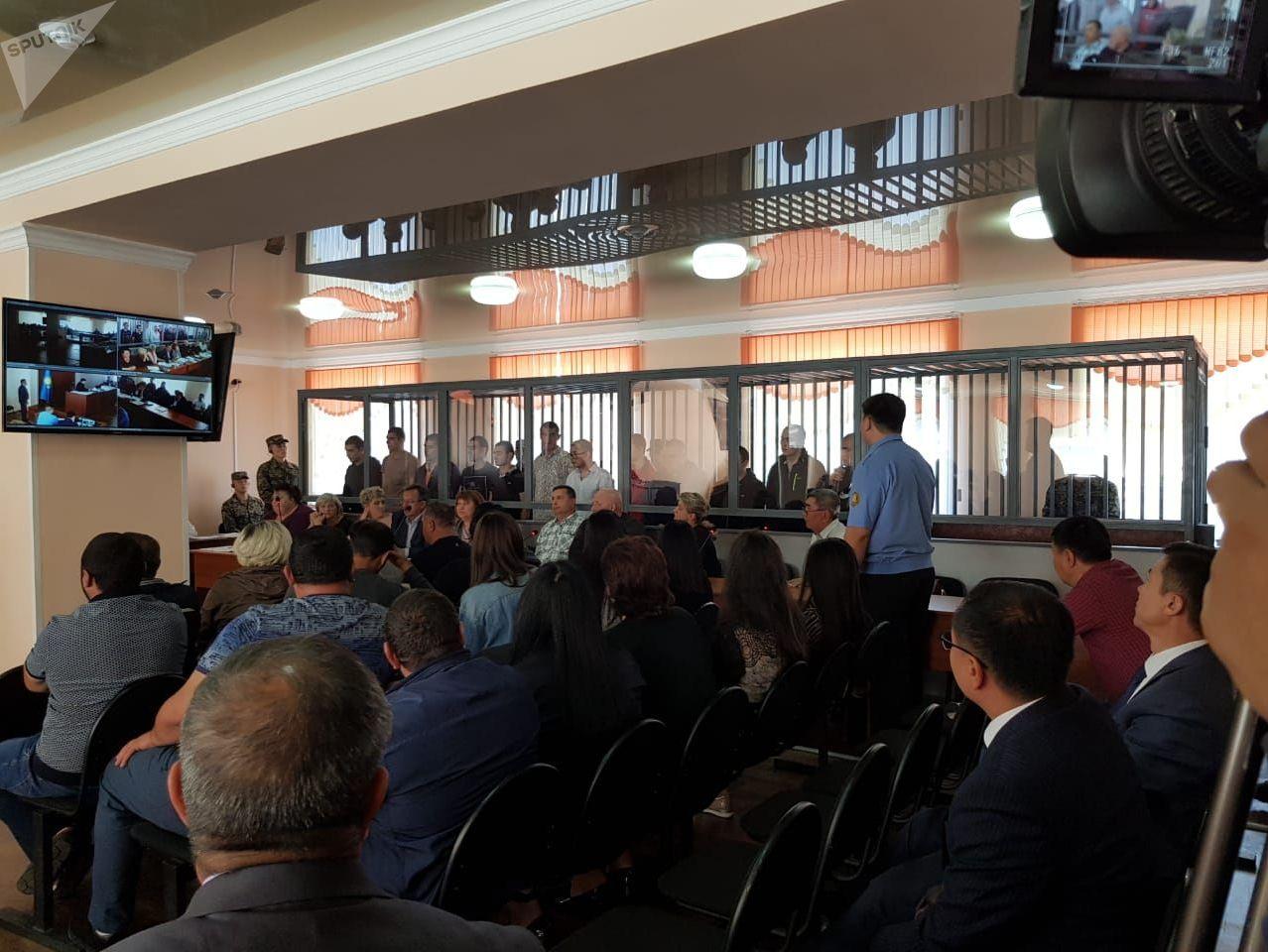 Суд над обвиняемыми в массовой драке возле кафе в Караганде