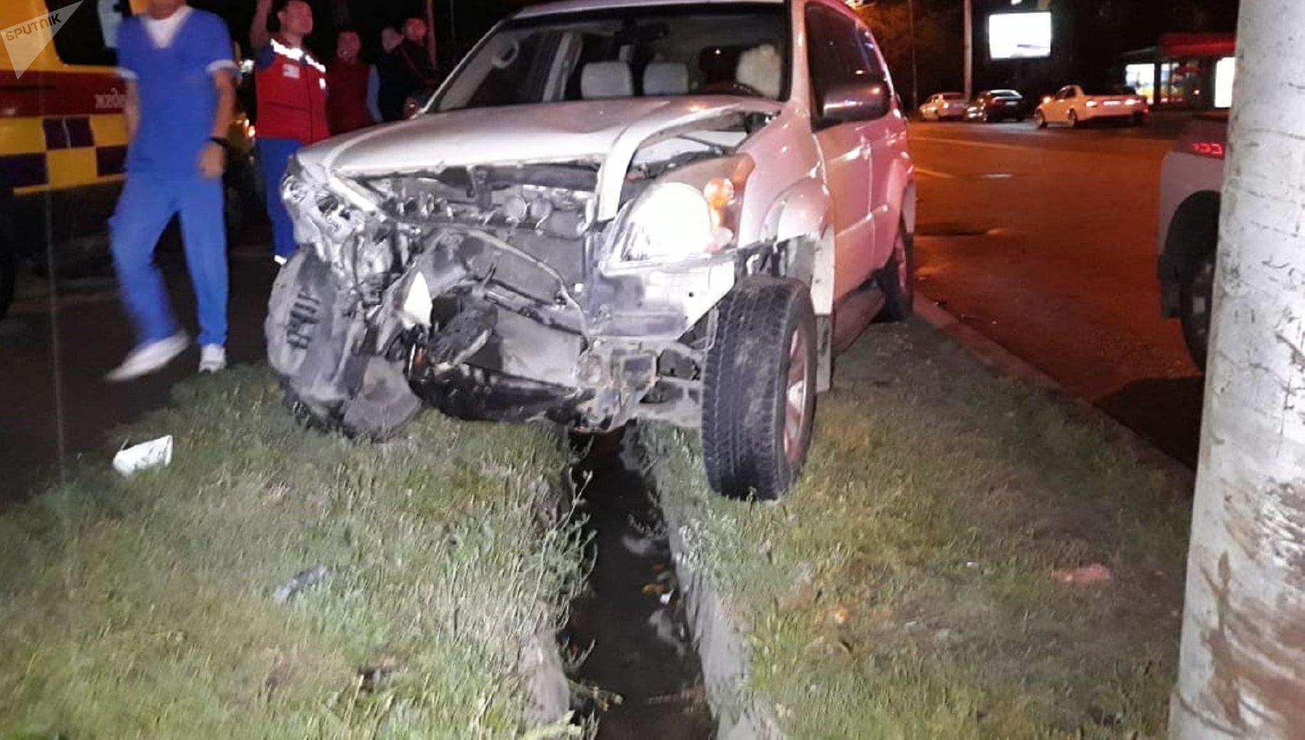 Внедорожник сбил трех пешеходов