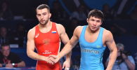 ЧМ по борьбе - полуфинал - Нуркожа Кайпанов (Казахстан) / Давид Баев (Россия)