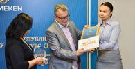 Павлодарлық журналистке Sputnik Қазақстанның арнайы жүлдесі табысталды