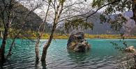 На озере Иссык, архивное фото